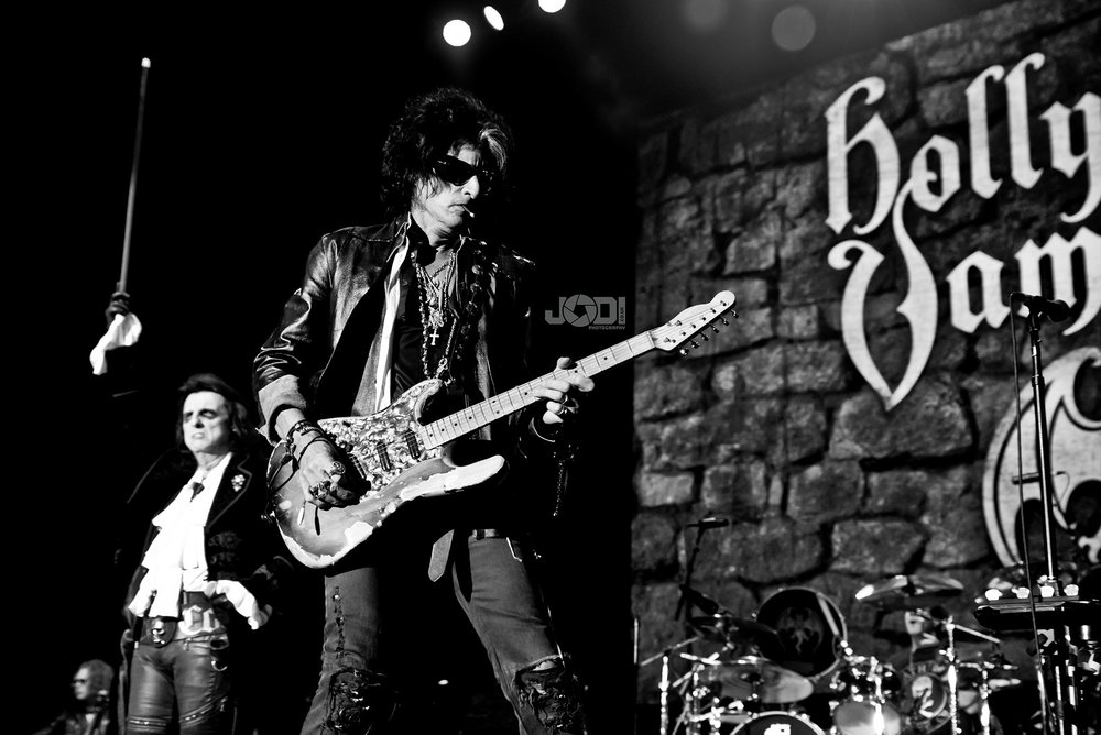 Hollywood Vampires at Birmingham Genting Arena by jodiphotography 5.jpg