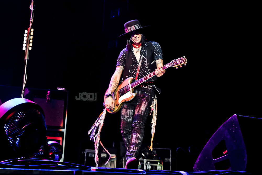 Hollywood Vampires at Birmingham Genting Arena by jodiphotography 17.jpg
