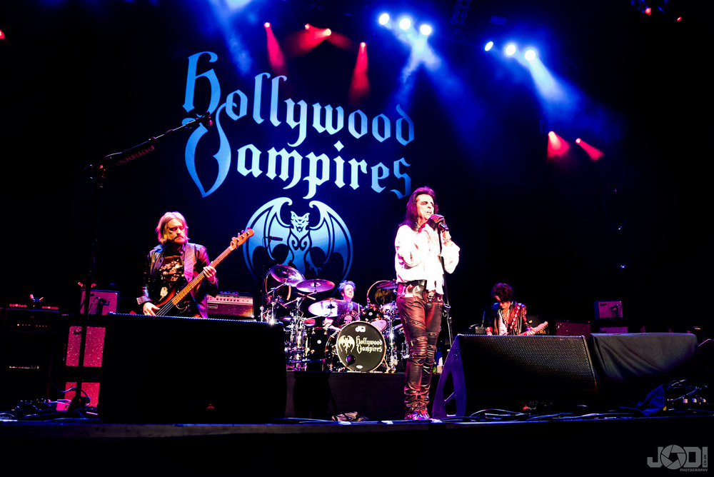 Hollywood Vampires at Birmingham Genting Arena by jodiphotography 19.jpg