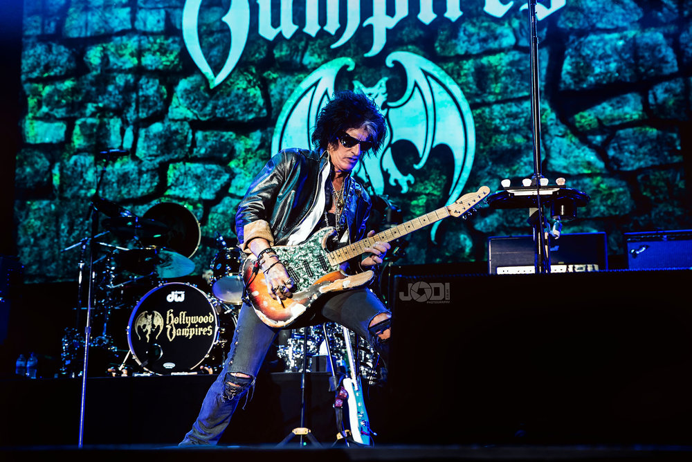 Hollywood Vampires at Birmingham Genting Arena by jodiphotography 34.jpg