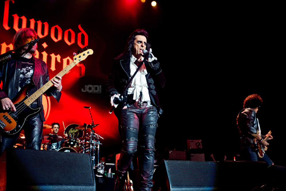 Hollywood Vampires at Birmingham Genting Arena by jodiphotography 35.jpg