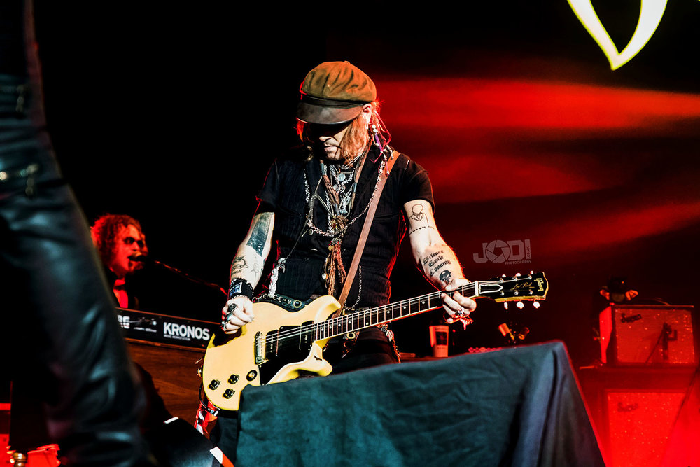 Hollywood Vampires at Birmingham Genting Arena by jodiphotography 38.jpg
