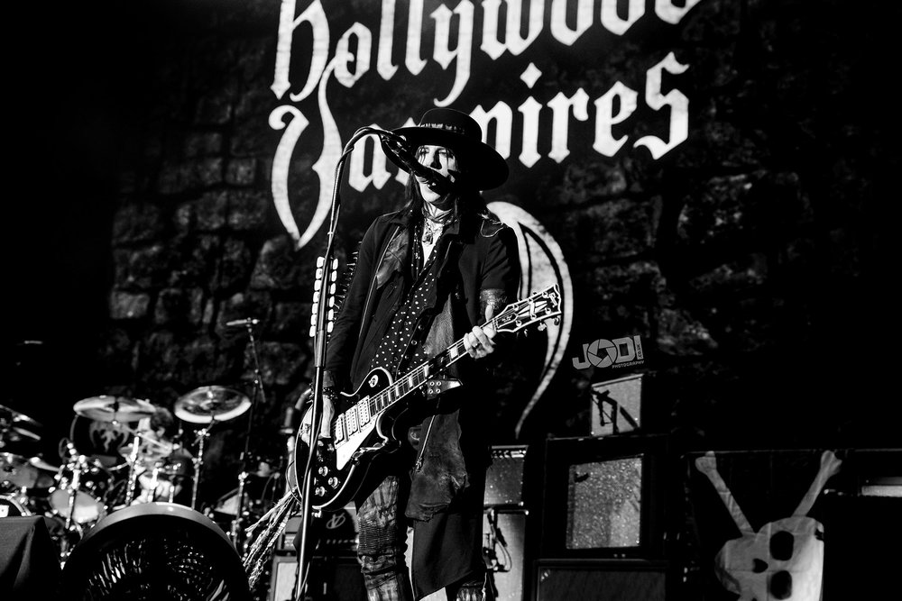 Hollywood Vampires at Birmingham Genting Arena by jodiphotography 44.jpg