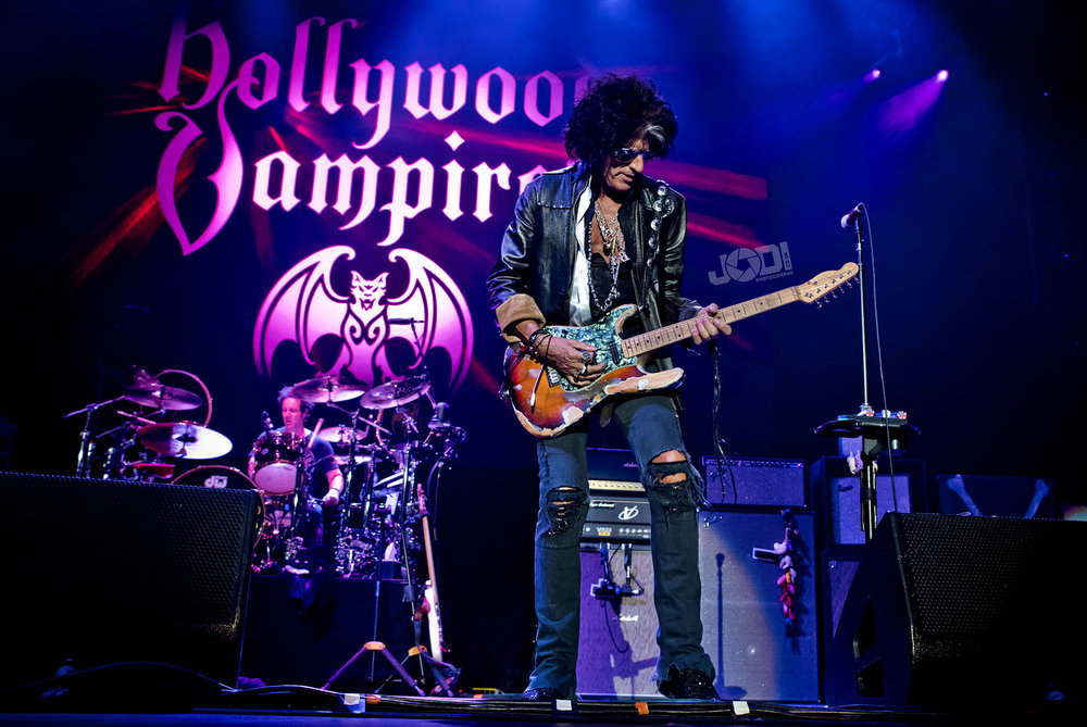 Hollywood Vampires at Birmingham Genting Arena by jodiphotography 65.jpg