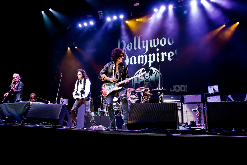 Hollywood Vampires at Birmingham Genting Arena by jodiphotography 67.jpg