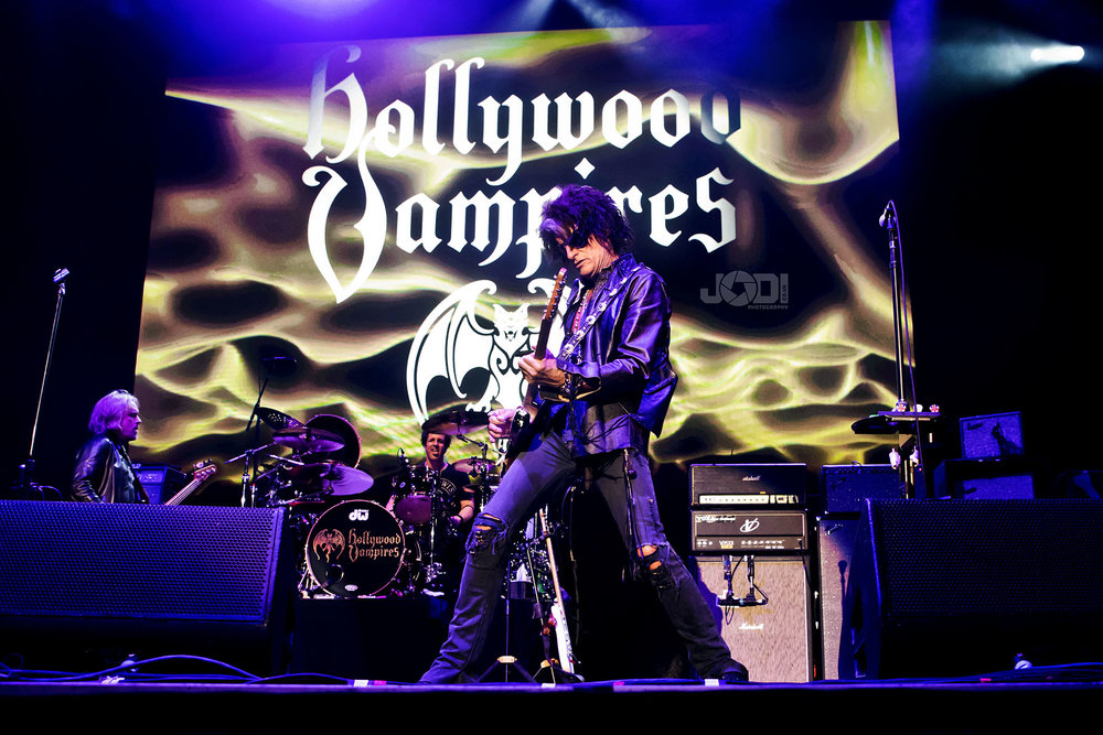 Hollywood Vampires at Birmingham Genting Arena by jodiphotography 85.jpg