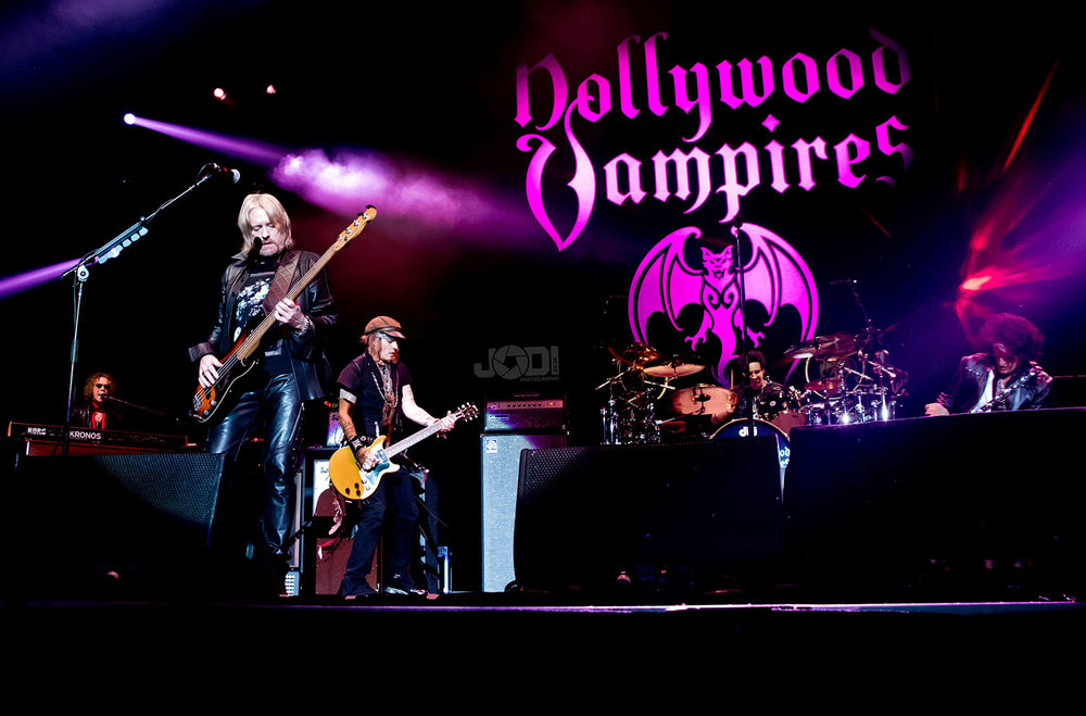 Hollywood Vampires at Birmingham Genting Arena by jodiphotography 87.jpg