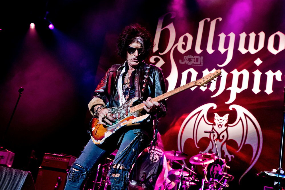 Hollywood Vampires at Birmingham Genting Arena by jodiphotography 89.jpg
