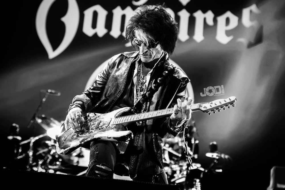 Hollywood Vampires at Manchester Arena 2018 by jodiphotography 21.jpg