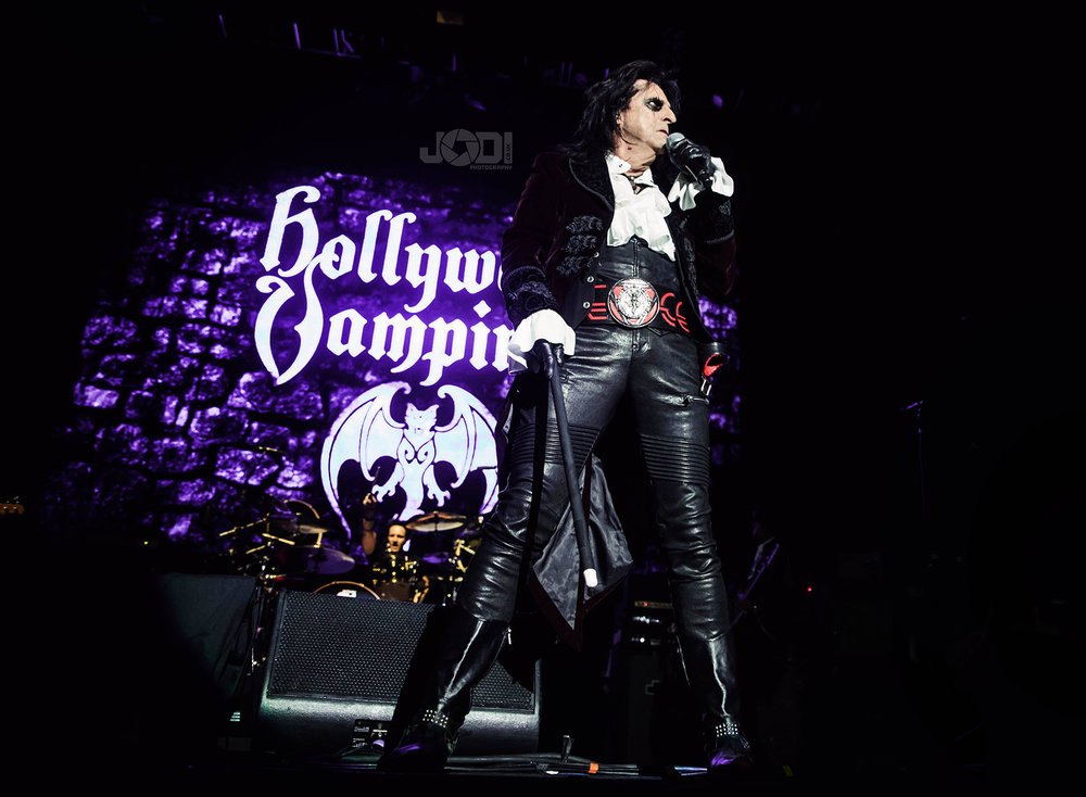 Hollywood Vampires at Manchester Arena 2018 by jodiphotography 22.jpg