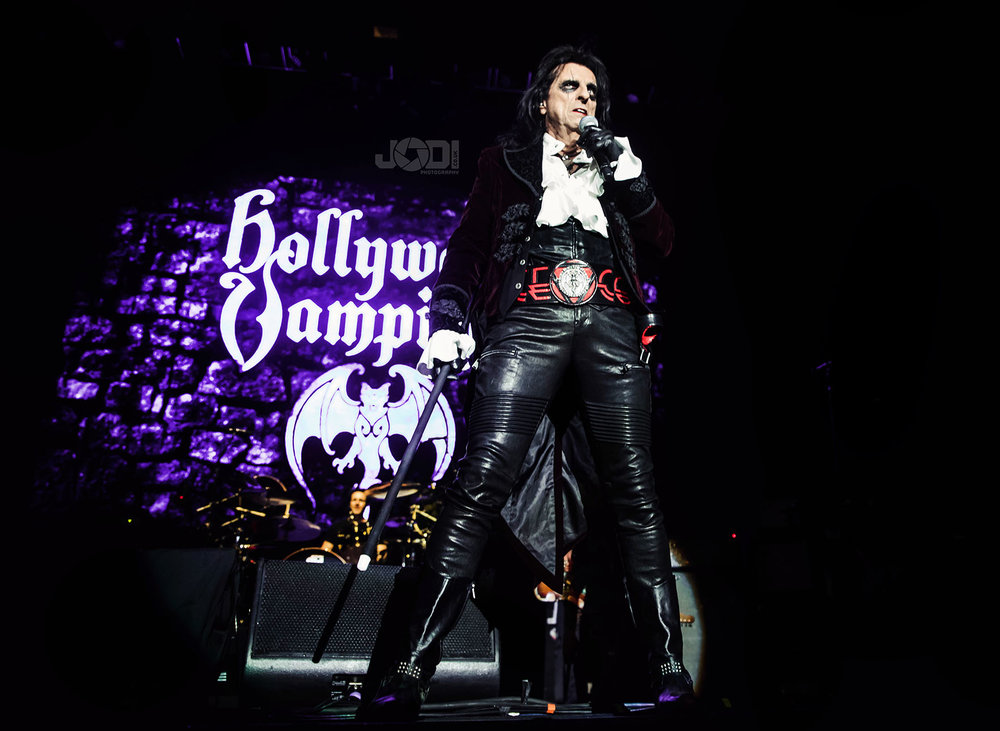 Hollywood Vampires at Manchester Arena 2018 by jodiphotography 23.jpg