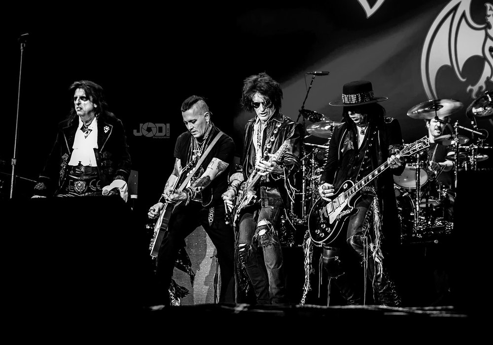 Hollywood Vampires at Manchester Arena 2018 by jodiphotography 70.jpg