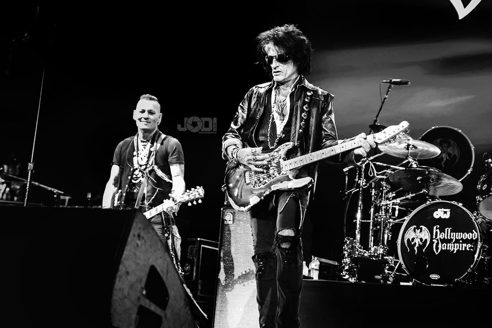 Hollywood Vampires at Manchester Arena 2018 by jodiphotography 77.jpg