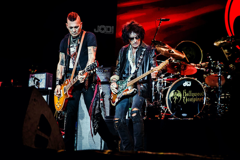 Hollywood Vampires at Manchester Arena 2018 by jodiphotography 78.jpg