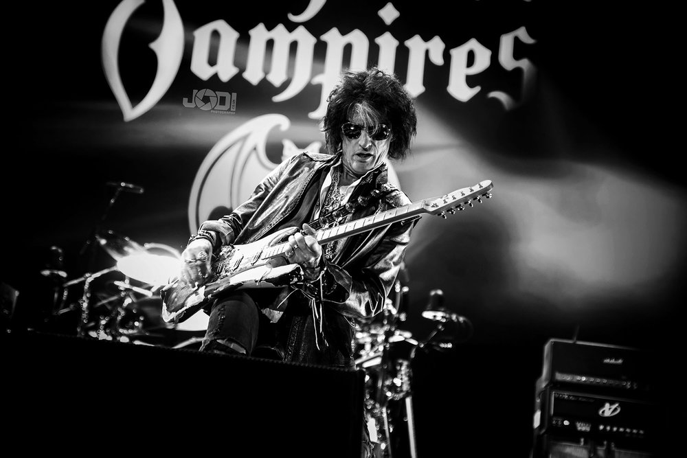 Hollywood Vampires at Manchester Arena 2018 by jodiphotography 80.jpg