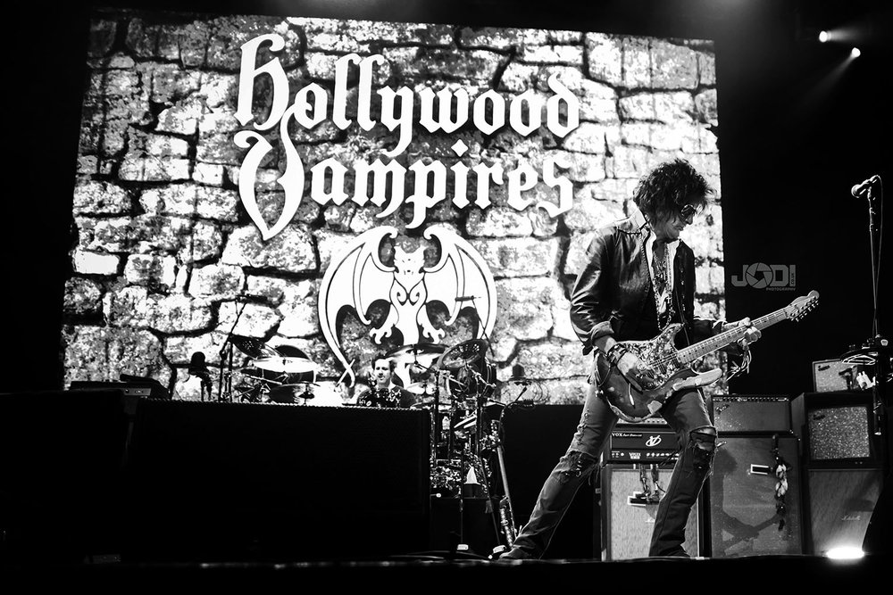 Hollywood Vampires at Manchester Arena 2018 by jodiphotography 82.jpg
