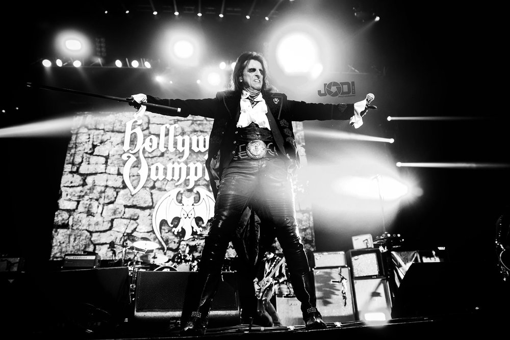Hollywood Vampires at Manchester Arena 2018 by jodiphotography 83.jpg