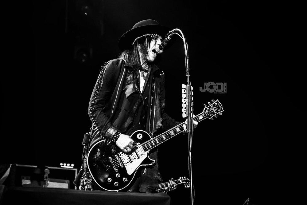 Hollywood Vampires at Manchester Arena 2018 by jodiphotography 85.jpg