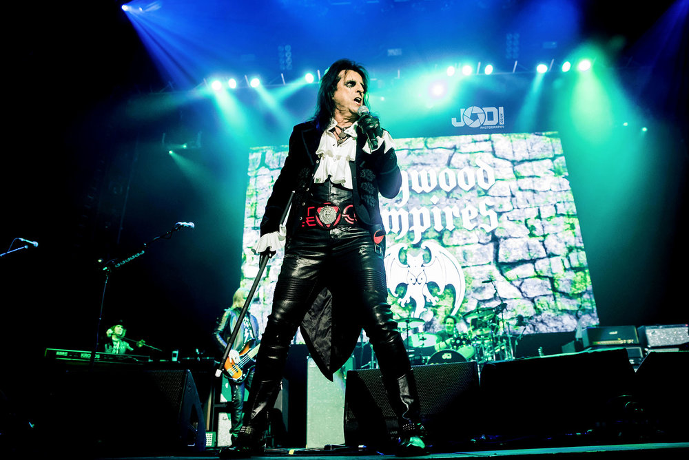 Hollywood Vampires at Manchester Arena 2018 by jodiphotography 86.jpg