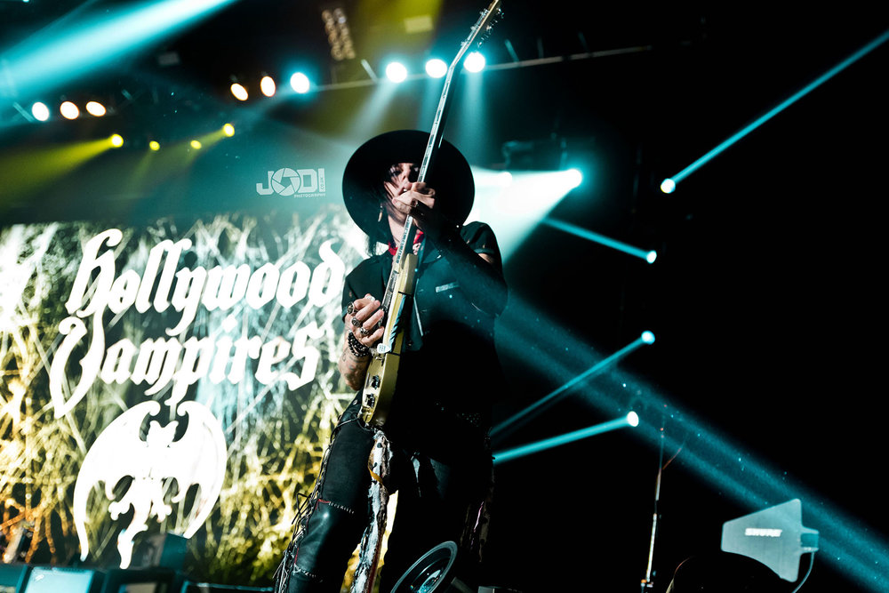 Hollywood Vampires at Manchester Arena 2018 by jodiphotography 89.jpg