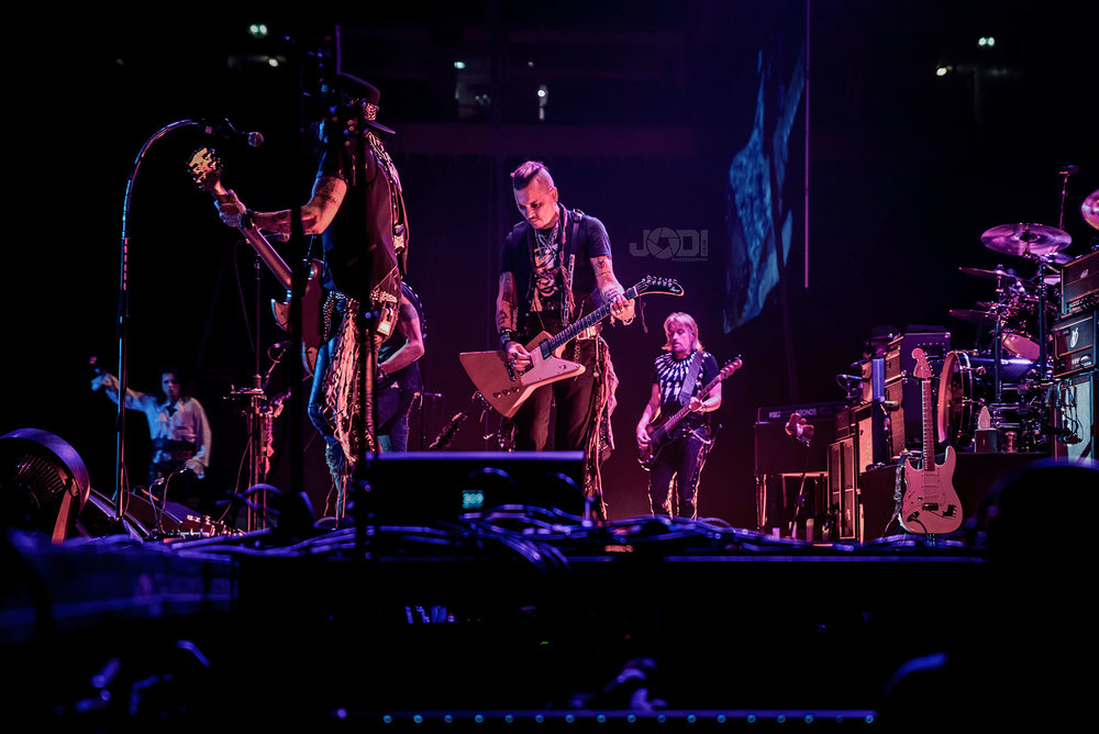 Hollywood Vampires at Manchester Arena 2018 by jodiphotography 90.jpg