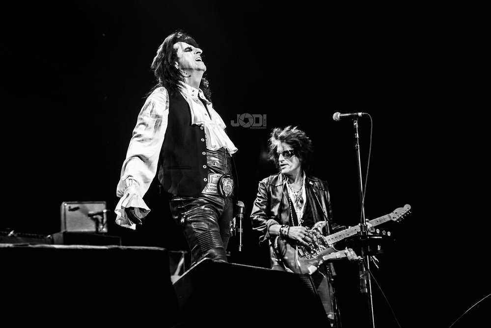 Hollywood Vampires at Manchester Arena 2018 by jodiphotography 92.jpg