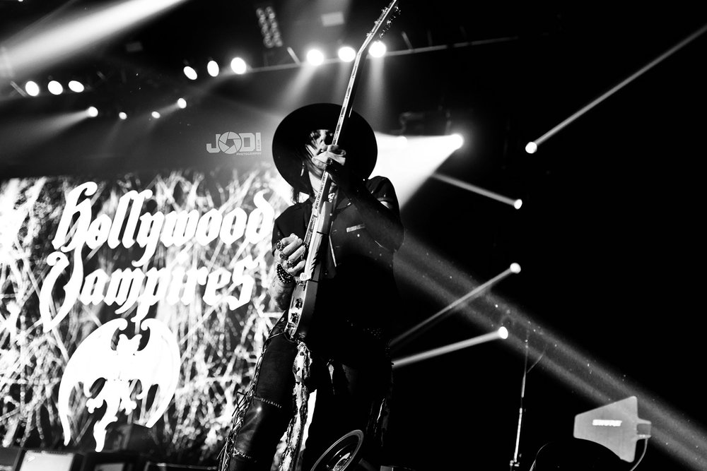 Hollywood Vampires at Manchester Arena 2018 by jodiphotography 93.jpg