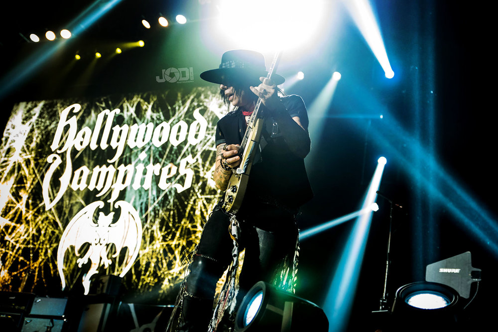 Hollywood Vampires at Manchester Arena 2018 by jodiphotography 94.jpg