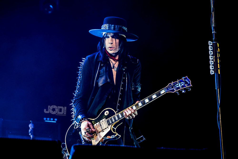 Hollywood Vampires at Manchester Arena 2018 by jodiphotography 115.jpg