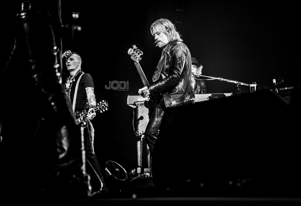 Hollywood Vampires at Manchester Arena 2018 by jodiphotography 120.jpg