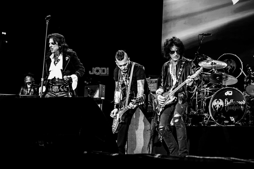 Hollywood Vampires at Manchester Arena 2018 by jodiphotography 121.jpg