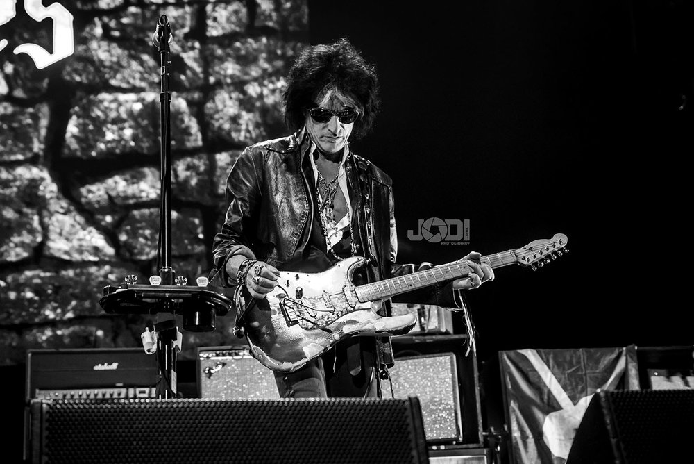 Hollywood Vampires at Manchester Arena 2018 by jodiphotography 123.jpg