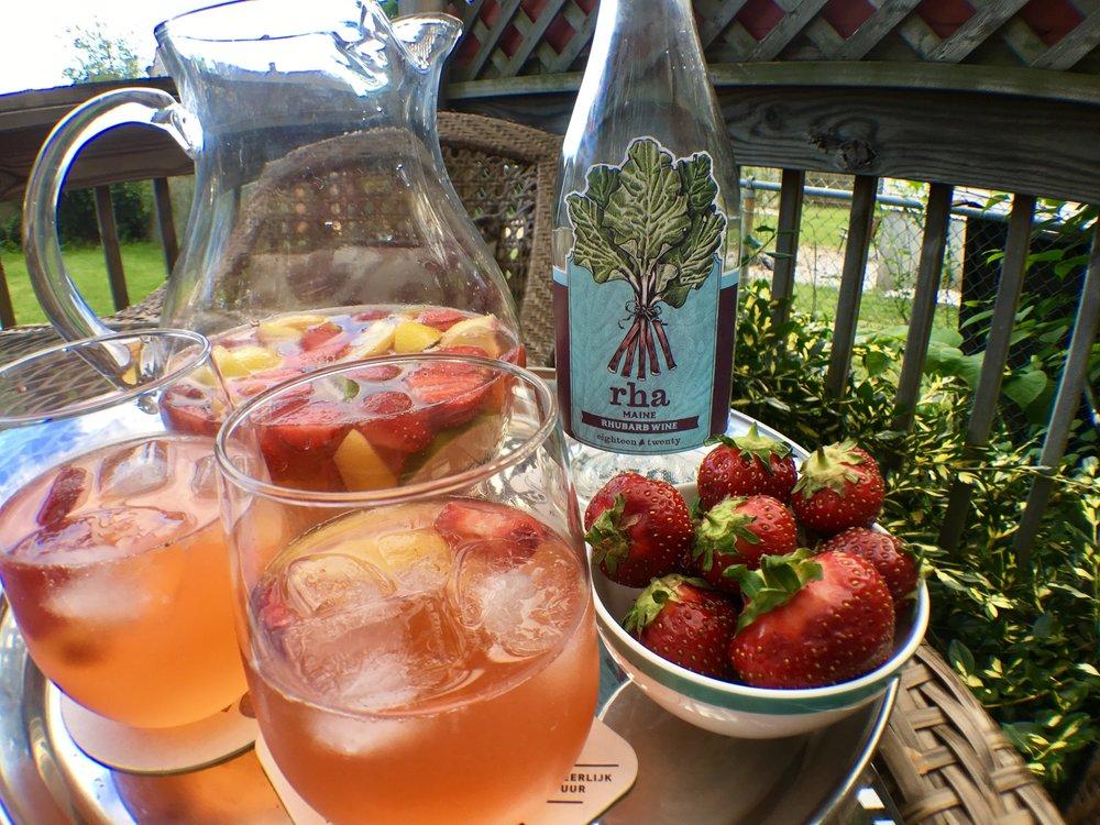 rhubarb wine sangria