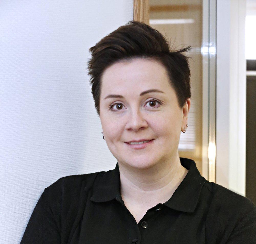 Talous, brändi ja toimintaolosuhteet   Anne Sireni  010 32 39 323  050 411 1133  anne (at) paijanne-ovet.fi