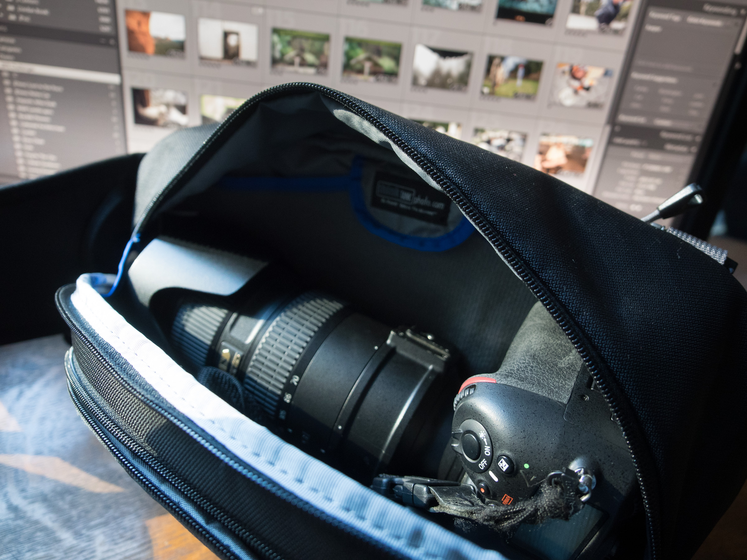 Yup. Even holds the D800 with 70-200 f/2.8 VRII.  Sweet.