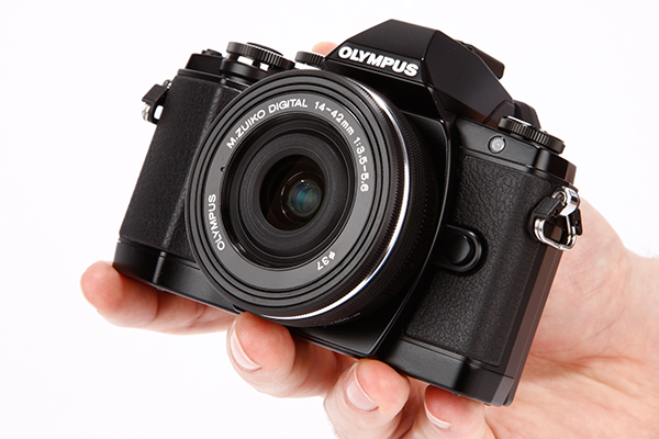 Olympus-OM-D-E-M10-first-look-3