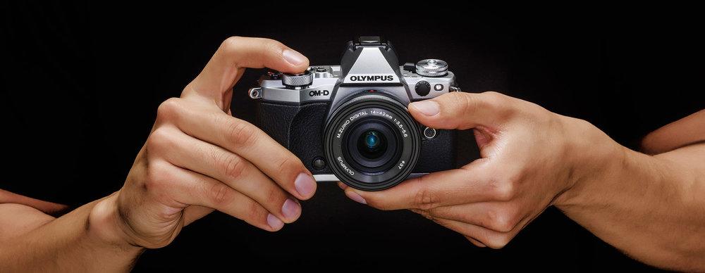 EM5-2_Hands-13049-2_RT.jpg