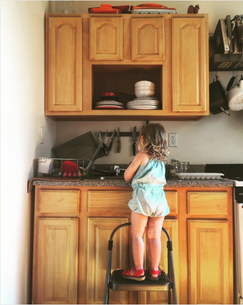 ordinary dishes, ordinary daughter
