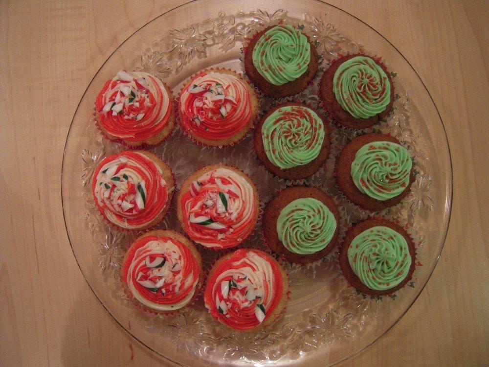 vegan cupcakes christmas gingerbread candy cane