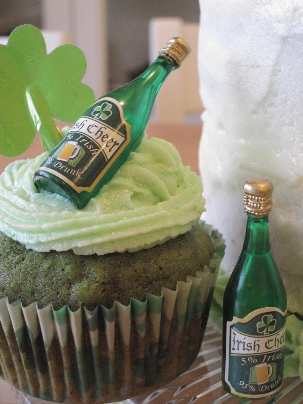 vegan matcha almon st patricks cupcake
