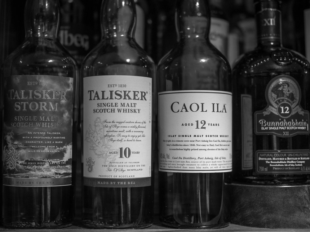 Musings by the Glass - Autumn Whiskey Primer - Black and White Scotch Whisky Bottles