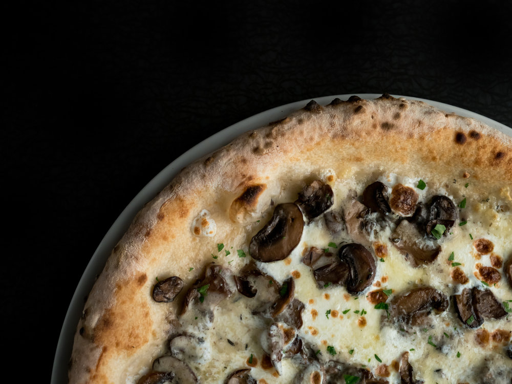 Musings by the Glass - Pizza and Wine Pairing Expedition - Funghi Pizza at Brick Fire Tavern in Honolulu