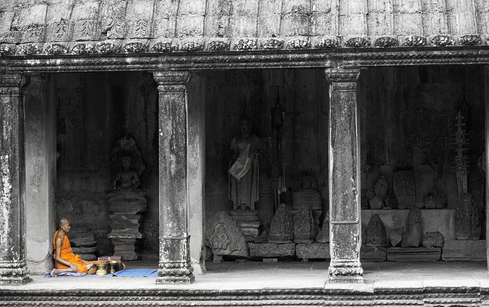 Musings by the Glass - Visual Musings - Monk at Angkor Wat