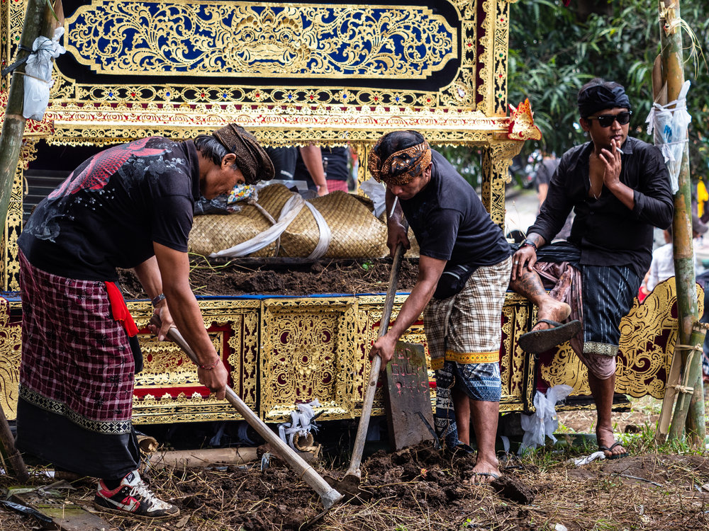 Musings by the Glass - Bali Photo Essay - Mass Cremations