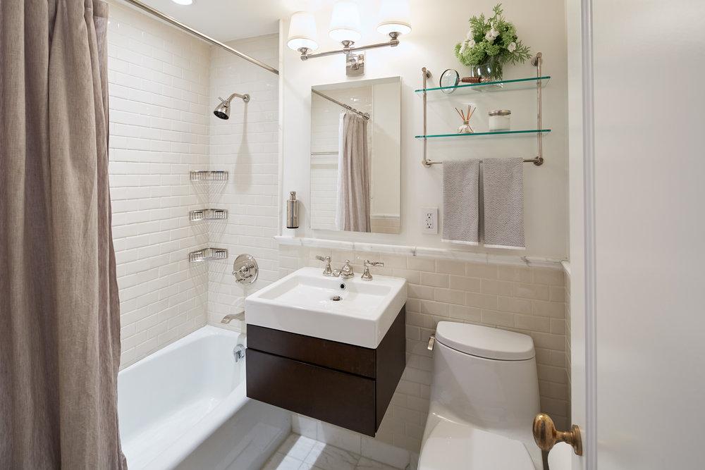 UES-bath-full-hor.jpg