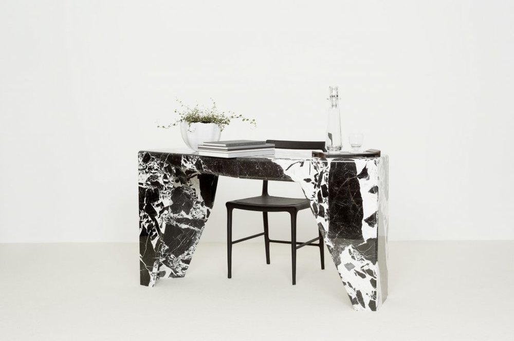 Collection Christophe Delcourt  JAZ-console w/ OUD chair
