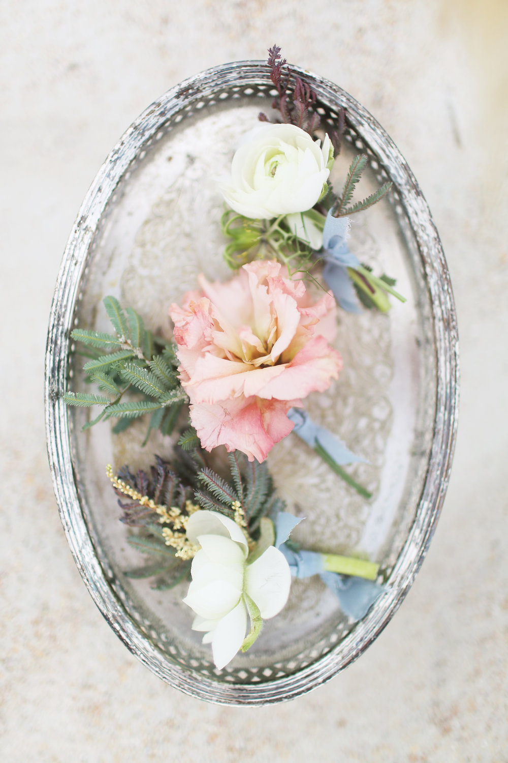 We would love to hear from you! Please drop us a line at hello@featherandbloomflorals.com and tell us all about your event! -