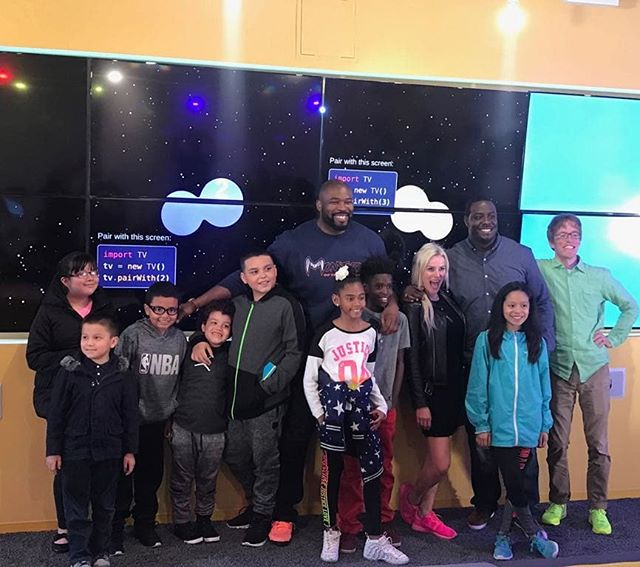 The 2018 iF Code Spring Showcase was a HUGE success and tons of fun! The students displayed their video games they've been working on for the first 10 weeks. Parents/guardians, staff, guests, and iF Charities' founder, Israel Idonije, had a blast learning about AND playing the many different games!!!
