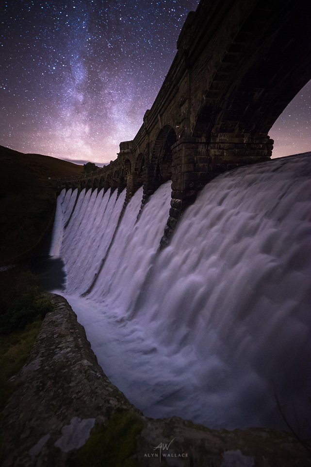Overflowing-Caig-Goch-Milky-Way.jpg