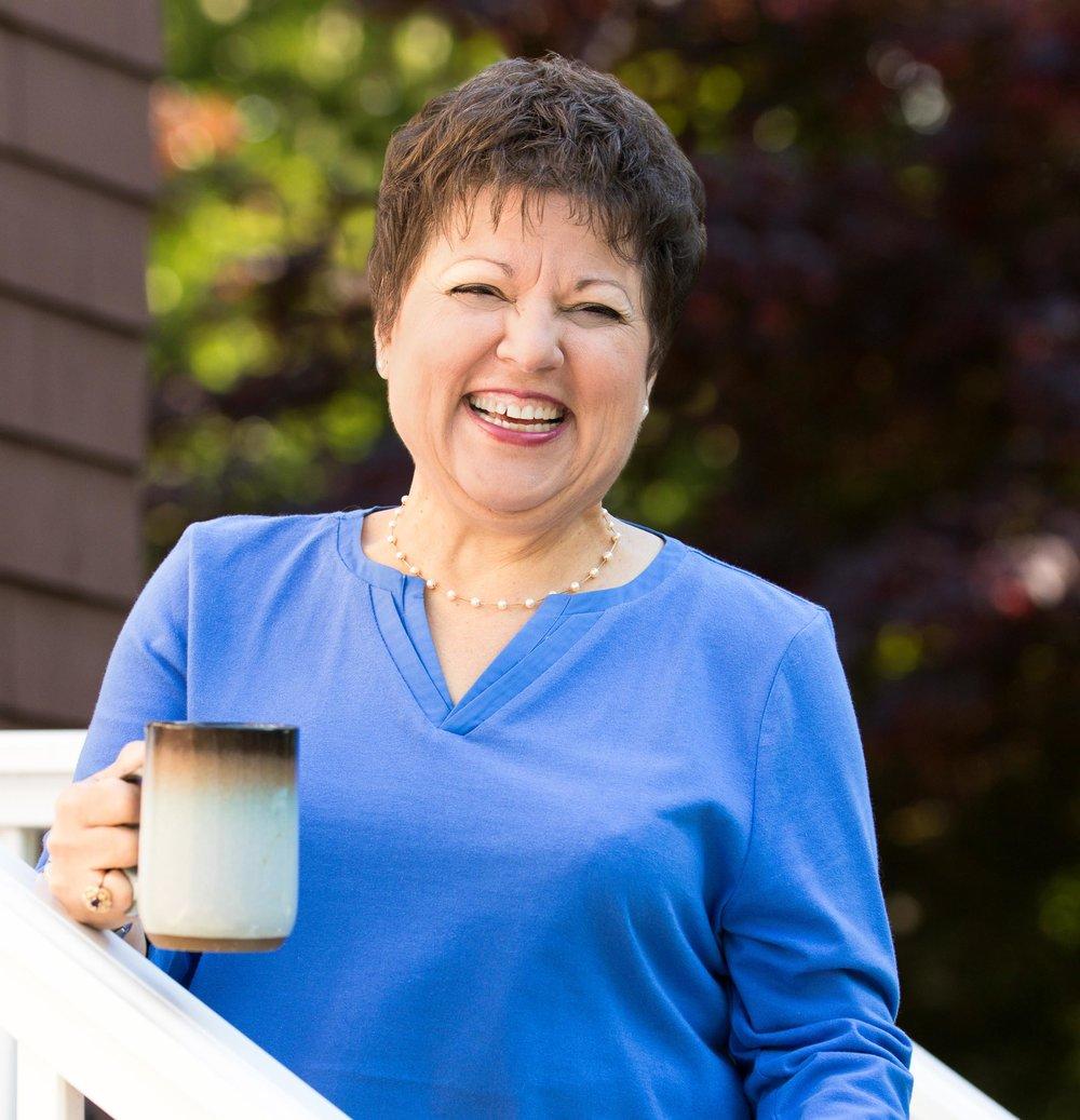 Visual narrative portrait - woman with mug outside
